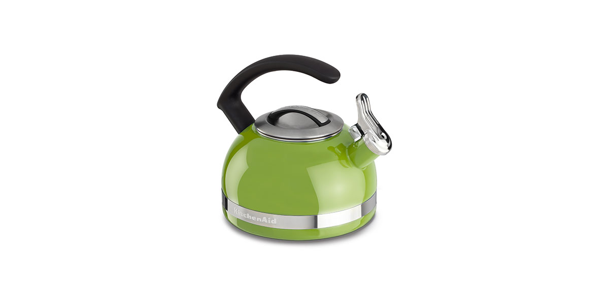 SquareRooms-kitchenaid-kettle-with-chandle-and-trimband